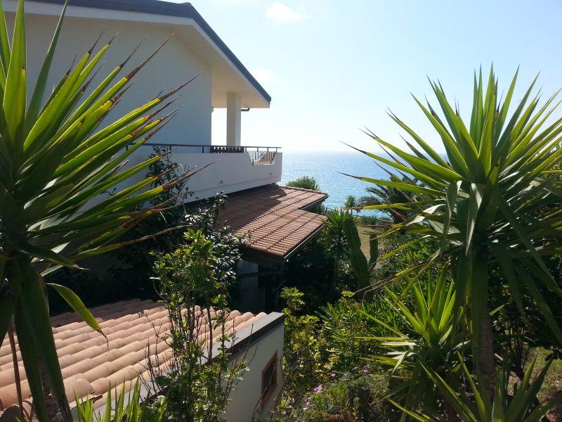 Casa vacanze sul mare a capo vaticano tropea for Vacanze a barcellona sul mare
