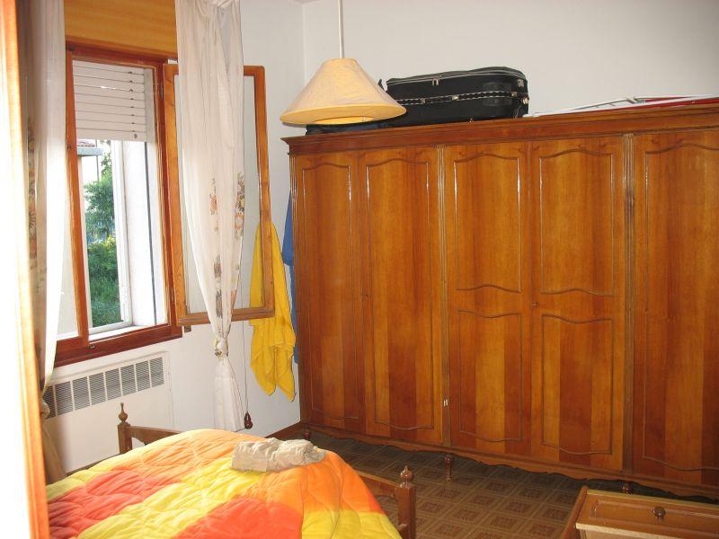 Camera da letto matrimoniale completa ad un buon prezzo for Prezzo camera da letto matrimoniale