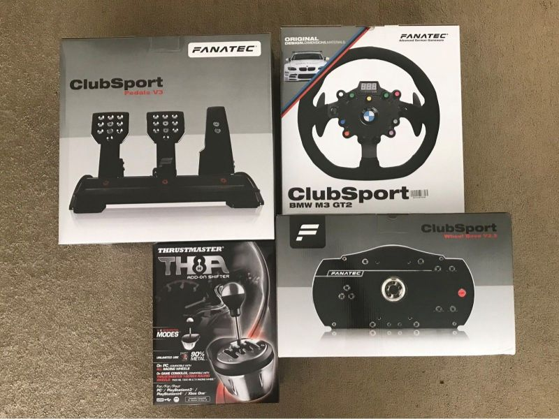 Fanatec ClubSport Wheel Base V2.5 BMW GT2 Thrustmaster TH8A ClubSport Pedals V3 Set Completo Nuovo