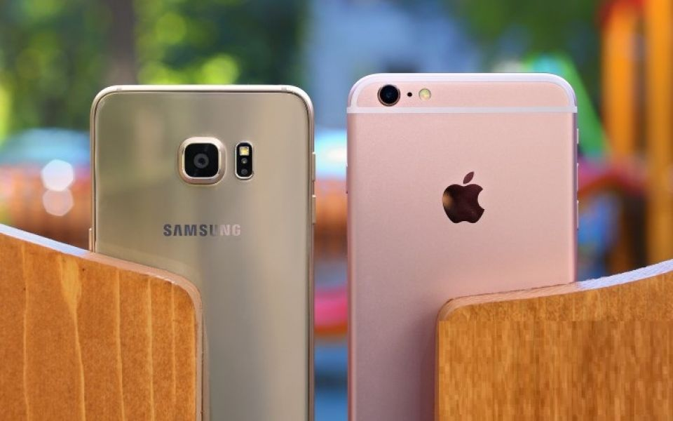 Apple iPhone 7 7 Plus 6S 6S Plus Samsung S7 edge e S7 Sbloccato Nuovo