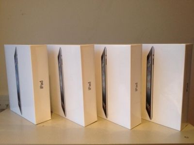 New Apple ipad 3 wifi + 4g / Apple iphone 4s factory unlcoked( buy 3 get 1 free )