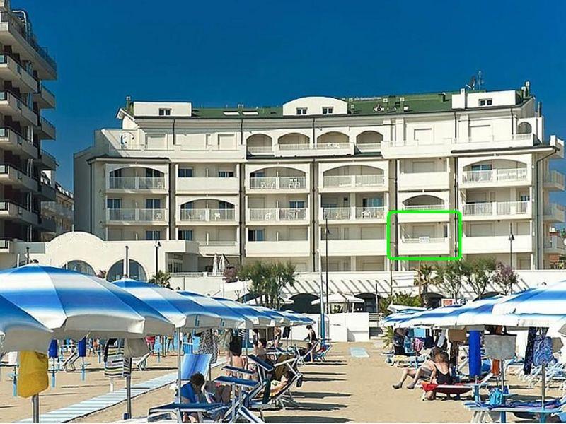 Rimini appartamento fronte mare seminuovo for Bagno 72 rimini