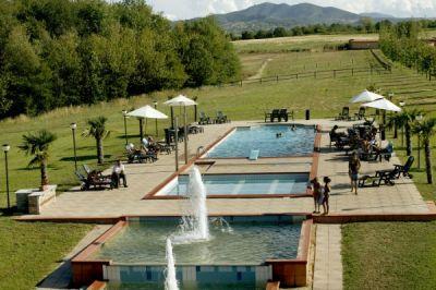 Agriturismo con piscina maneggio lago ristorante camere - Agriturismo con piscina lucca ...