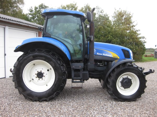 Trattore New Holland T6050