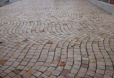 Pavimenti in pietra per esterno in sampietrini selciato pave 39 - Pavimenti in pietra per esterno ...