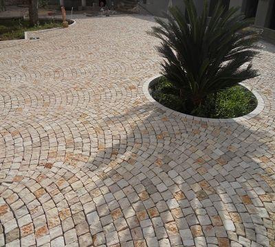 Pavimenti in pietra per esterno in sampietrini selciato - Pavimenti in pietra per esterno ...